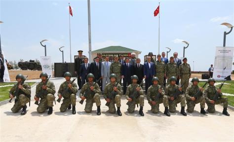 Turkish rat Davutoğlu sneaked into Syria to visit Suleyman Shah tomb-2