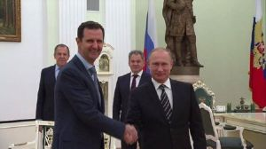 "Presedintele sirian Bashar al-Assad se afla de marti 20 Oct.,la Moscova, unde a avut o intalnire cu Vladimir Putin, in cadrul careia cei doi lideri au discutat despre campania militara impotriva  militantilor islamisti din Siria, a declarat Dmitry Peskov. الرئيسان ‫#‏الأسد‬ و ‫#‏بوتين‬ ناقشا كافة الجوانب العسكرية المتعلقة بمكافحة ‫#‏الإرهاب‬ ودعم القوات الجوية الروسية للعمليات الهجومية للقوات المسلحة السورية.. Putin meets Assad for talks in Moscow  Russian President Vladimir Putin and Syrian President Bashar Assad have held talks in Moscow, Kremlin spokesman Dmitry Peskov said. He added that Assad informed the Russian leader about the situation in Syria and the plans of government forces. ""Yesterday evening Syrian President Bashar Assad arrived in Moscow for a working visit,"" Peskov said. The two leaders conducted lengthy negotiations, which then continued in the presence of Russia's top policymakers. ""The agenda of the negotiations is clearly understandable,"" the Kremlin spokesman said. ""President [Putin] was informed in detail by his Syrian counterpart about the current state of affairs in Syria and the long-range plan.""  In particular, Putin and Assad discussed issues related to the continuation of Russia's air operation in Syria. ""Naturally, the talks focused on fighting terrorist extremist groups, carrying on with the Russian operation, and support for the Syrian army's offensive,"" Peskov said, adding that the presidents also discussed ""various aspects of bilateral relations."" https://www.rt.com/news/319244-assad-putin-talks-moscow/"